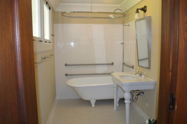 Banheiro antigo.