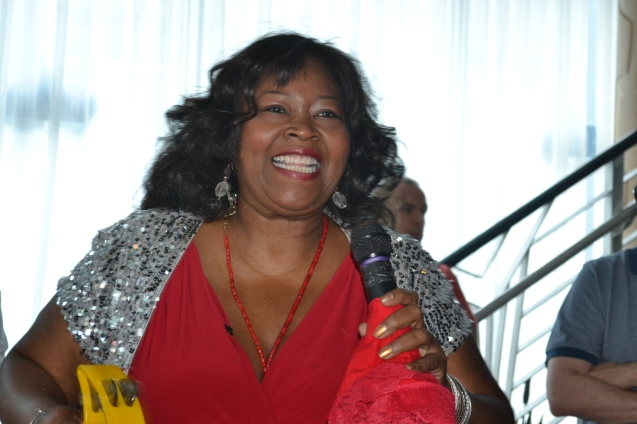 Maryel Epps canta aos domingos no Restaurante City Hall